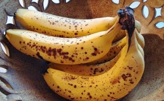 Luar Biasa!! Inilah Manfaat Bagi Kesehatan Tubuh Anda Jika Makan Pisang Dengan Bintik Hitam Pada Kulitnya...