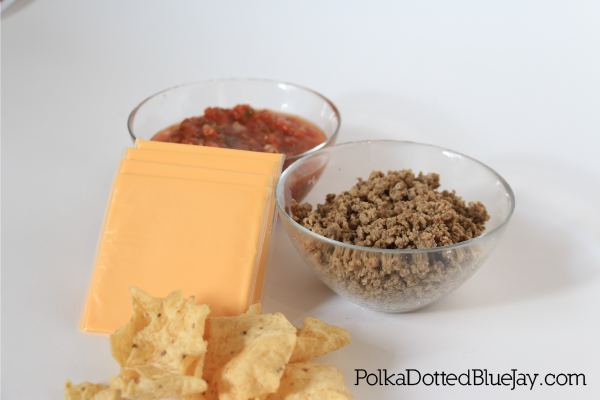 Need a quick and easy game day recipe? Click here to see my favorite 3 ingredient Cheesy Beef Dip! #foodiefootballfans