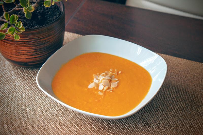 Delikatna zupa krem z dyni