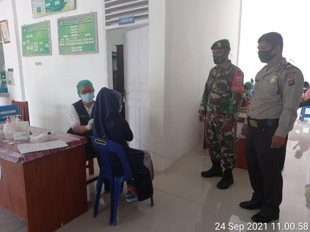 Vaksinasi Pertama Kepada Masyarakat Turut Serta Dimonitor Personel Jajaran Kodim 0207/Simalungun Diwilayah Binaan