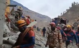 32 शव बरामद, सुरंग में फंसे 34 लोगों को निकालने का अभियान जारी