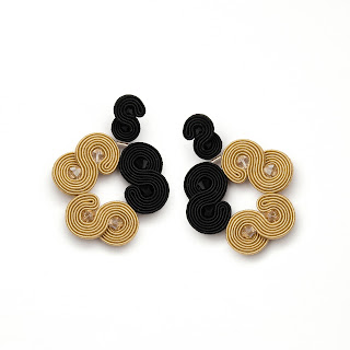 soutche-earrings-black-gold-chandelier