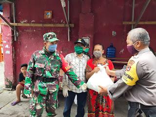 Ringankan Beban Warganya, Tiga Pilar Pattunuang Kembali Salurkan Bantuan