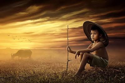 Menulis Puisi Berkenaan dengan Keindahan Alam