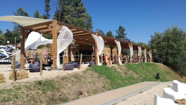 Esplanada do Café/bar de apoio á praia fluvial