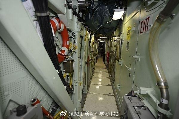 الغواصة النووية فرجينيا USS%2BWashington%2BSSN-787%2BVirginia%2Bclass%2Bsubmarine%2B7
