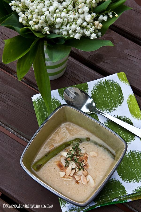 zupa, krem,szparagi, tymianek, migdały