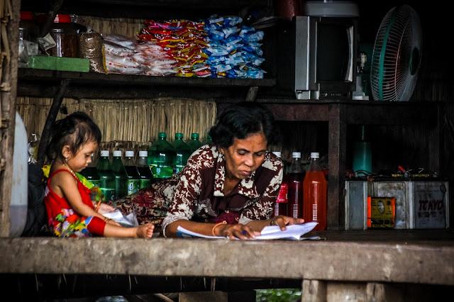Les visages de Kampong Phluk par Félix Nagel (cc)