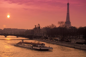 Paket River Cruise Tour Paris Murah