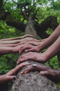 La filantropía y la solidaridad en tiempos aciagos, de tormenta e incertidumbre