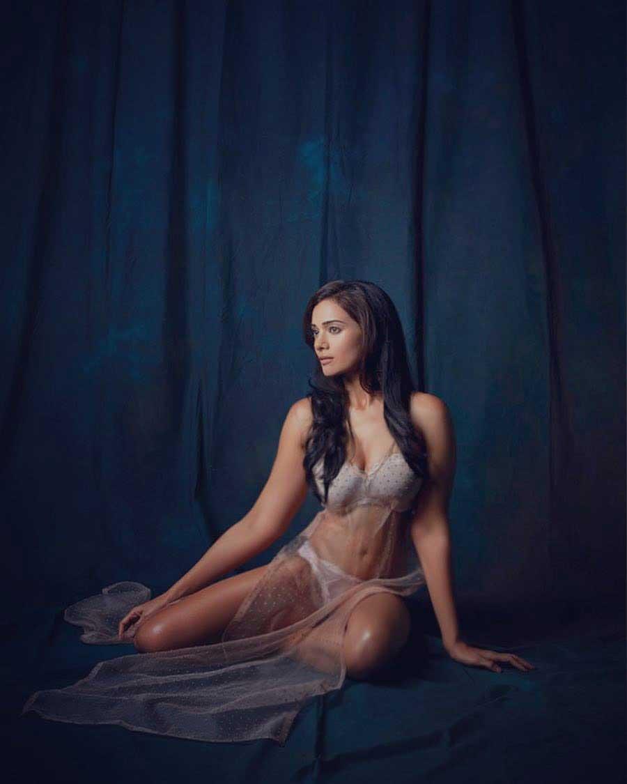 Megha Gupta Hot Bikini