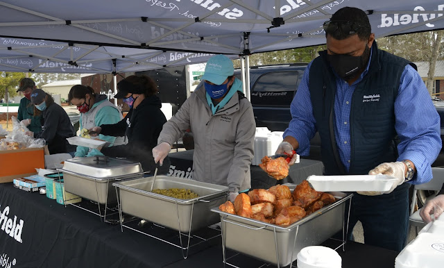 Smithfield Employees, Local Volunteers Serve Hot Meals to More Than 2,500 'Hometown Heroes' Across Southeast North Carolina