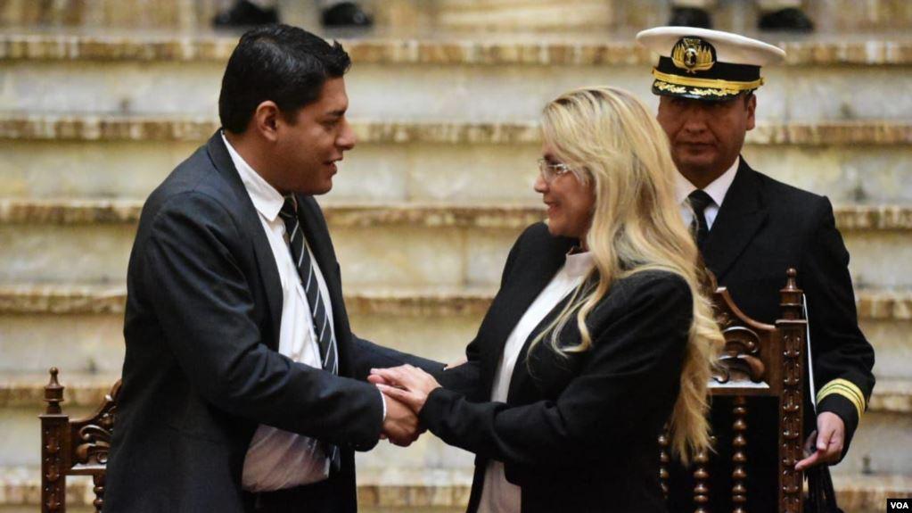 La presidente interina de Bolivia, Jeanine Áñez, anunció la formación de una comisión interinstitucional para la defensa de las víctimas por razones políticas o ideológicas / VOA