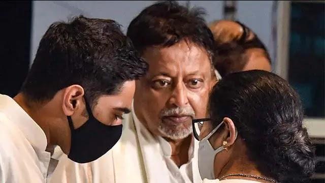 West Bengal : BJP के 25 विधायक और 2 सांसद मुकुल रॉय के संपर्क में, BJP की बढ़ सकती है मुश्किलें