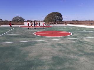 Em Picuí, comunidade rural recebeu sua quadra poliesportiva, fruto de uma soma de forças