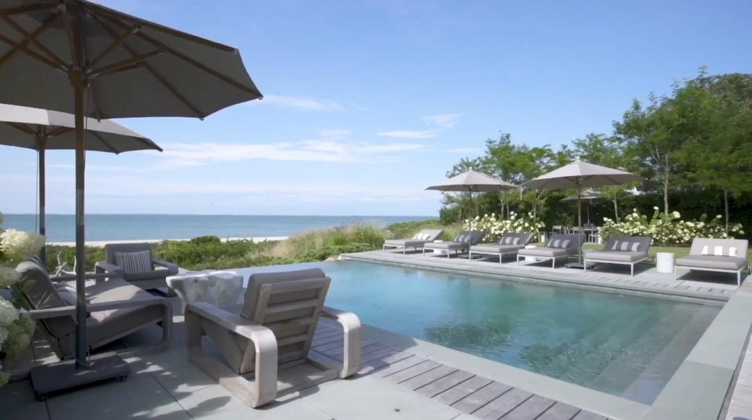 21 Photos vs. 12 Gallatin Ln, East Hampton, NY Interior Design Luxury Home Tour