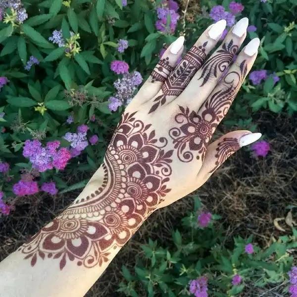 Cute_designer_henna_pattern