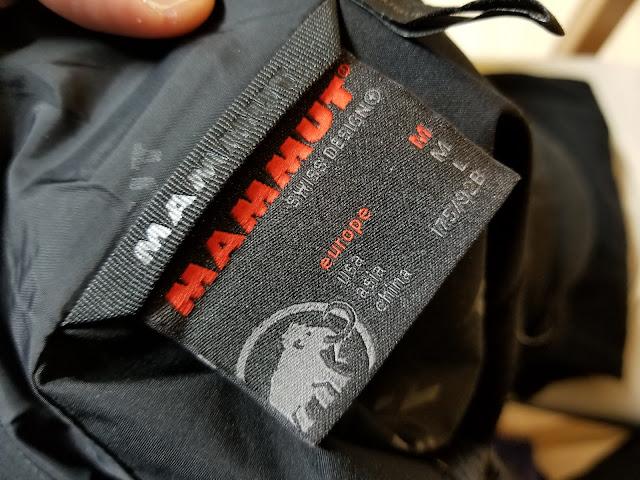MAMMUTのアヤコ プロ HSフーデッドジャケットのサイズタグ
