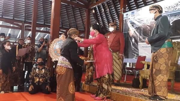 Dalang Asal Gunungkidul :Ki Dalang Gunarto Gunotajindro SH.,MM Mendapatkan Jabatan Baru Dari Raja Keraton Surakarta Hadiningrat