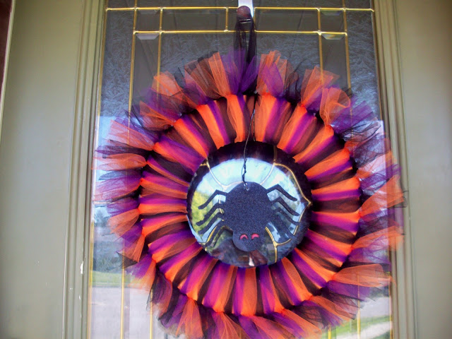 Halloween Wreath by www.summerscraps.com