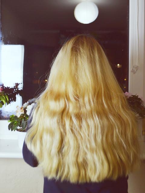 jak uzyskać idealny blond, farbowanie na blond a rodzaj włosa, włosowa metamorfoza