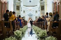casamento com cerimônia na catedral metropolitana de porto alegre igreja nossa senhora da madre de deus e recepção no salão dos espelhos do clube do comércio de porto alegre com decoração clássica clean elegante e sofisticada em branco e prata por fernanda dutra cerimonialista em porto alegre cerimonialista para brasileiros em portugal