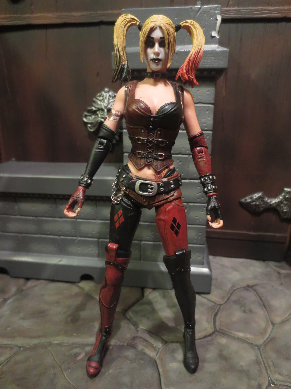 DC 7-Inch Action Figure Harley Quinn IN HAND!!!