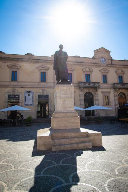 Statua di Ovidio-Sulmona