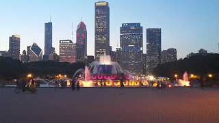 Buckingham Fountain and chicago nighttime skyline