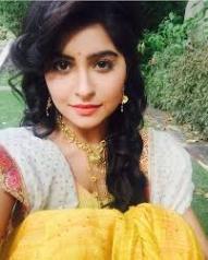 Biodata Yukti Kapoor Pemeran Urmila