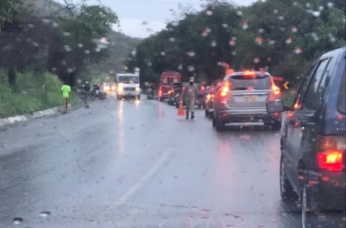 Uma pessoa morre e outra fica ferido em acidente de trânsito na BR-104 em Caruaru