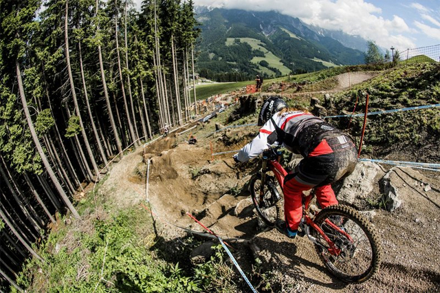 2016 Leogang UCI World Cup Downhill: Practice - Manon Carpenter