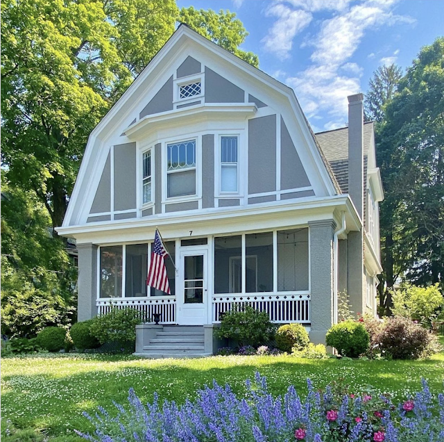 front and front yard view of Sears No 137 at 7 Orchard Street, Mendham, New Jersey, courtesy of @HomesOfHistory