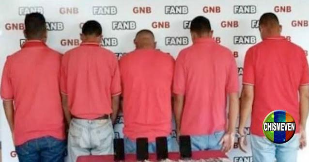 Cinco empleados de la bomba fueron detenidos por vender gasolina en dólares