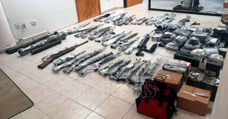 Tras repelar agresión GN aseguró poderoso arsenal y detuvo a dos Sicarios en Tamaulipas