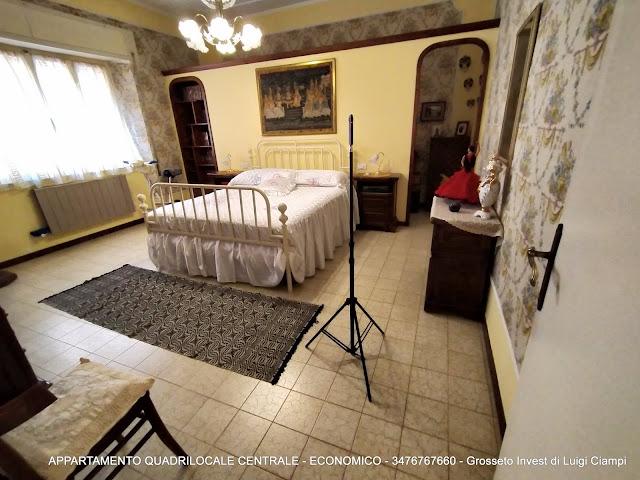 Immagine camera matrimoniale di appartamento su  Ximenes, Centro, Grosseto, Agenzia Immobiliare Grosseto Invest