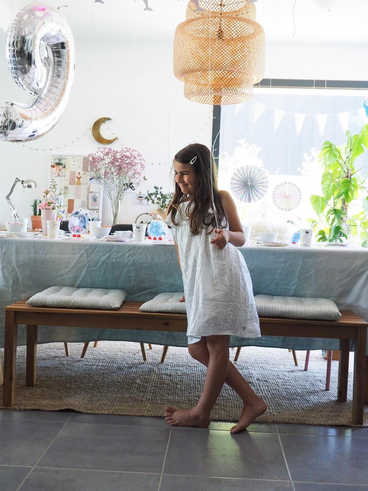 les 9 ans de lily ange avec my little day dans un petit. Black Bedroom Furniture Sets. Home Design Ideas