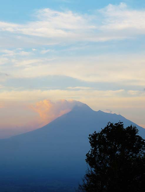 Gunung Merapi dari Candi Ijo