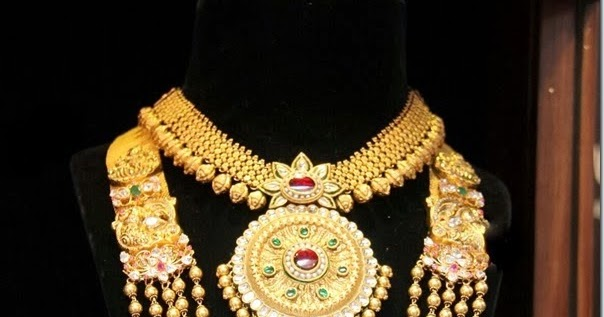 Jewellery Designs : Gold Necklace And Chandra Haram