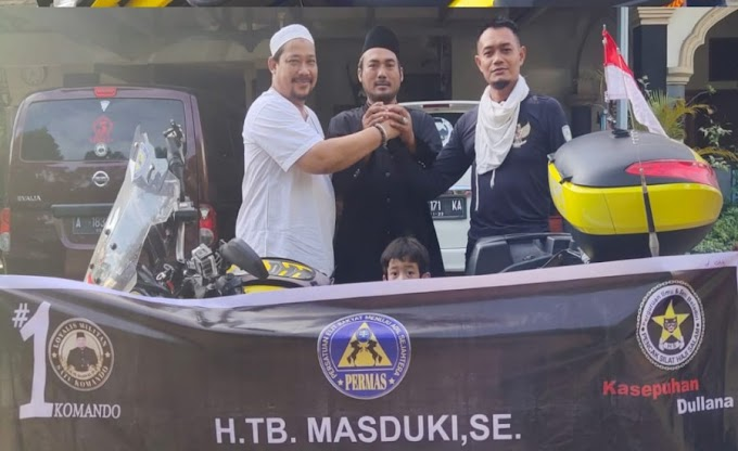 Kendarai Motor, H. TB. Masduki Melepas Keberangkatan Bambang Sukmana dari Banten ke Mekkah