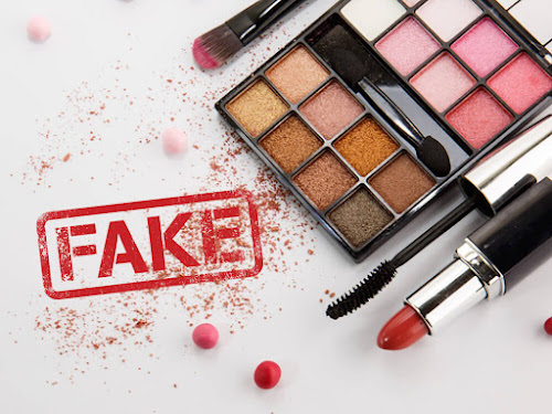 Hindari Penggunaan Makeup Palsu Terhadap Kulit