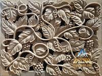 Ukiran roster daun anggur dibuat dari batu alam paras jogja / batu putih.