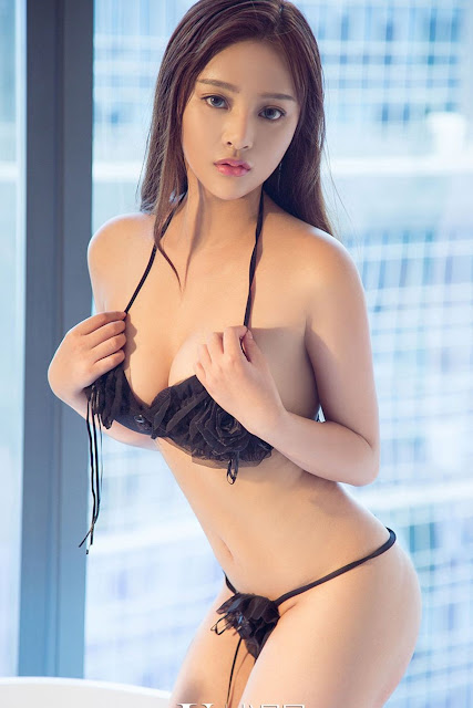Hot and sexy big boobs photos of beautiful busty asian hottie chick Chinese booty model Liu Xi Ying photo highlights on Pinays Finest sexy nude photo collection site.
