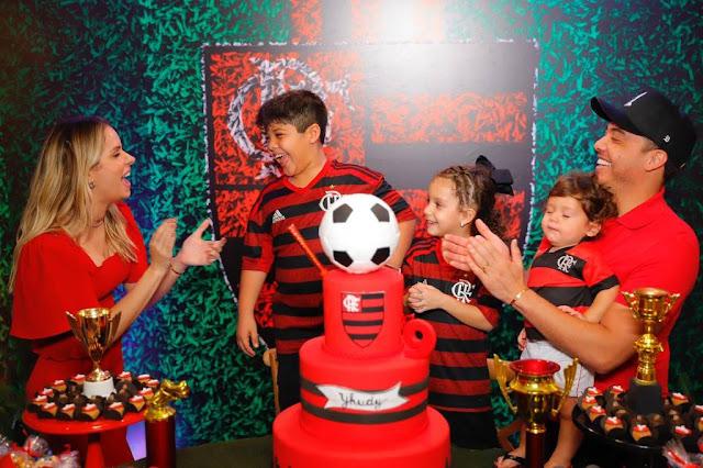 Wesley Safadão faz festa temática do Flamengo para celebrar os 9 anos do filho Yhudy