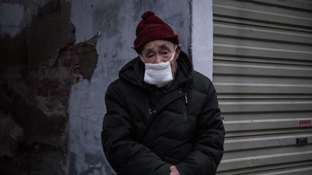 Người dân Vũ Hán kêu cứu: 40 ngày đóng cửa chỉ nhận được 4 lần rau, không chết vì bệnh cũng chết vì đói