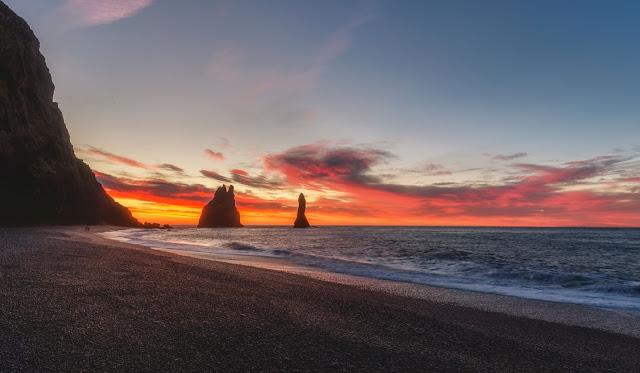 Iceland Beach by Luca Micheli on Unsplash