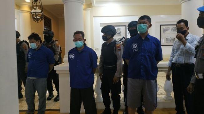 Ditangkap, Tersangka Kerusuhan Mertodranan Solo Mewek Saat Konferensi Pers