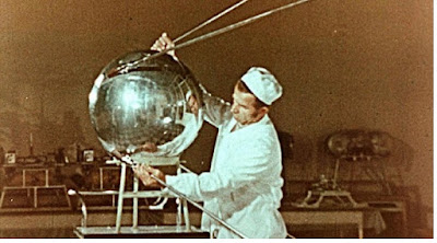 Sejarah Satelit Buatan manusia - pustakapengetahuan.com
