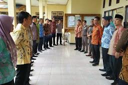 Hari Pertama Masuk Kerja, Sekda Kaur Ingatkan OPD Bidang Pelayanan Umum.
