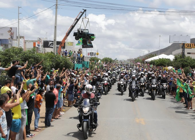 Após motociata, Bolsonaro defende enquadramento de ministros do STF